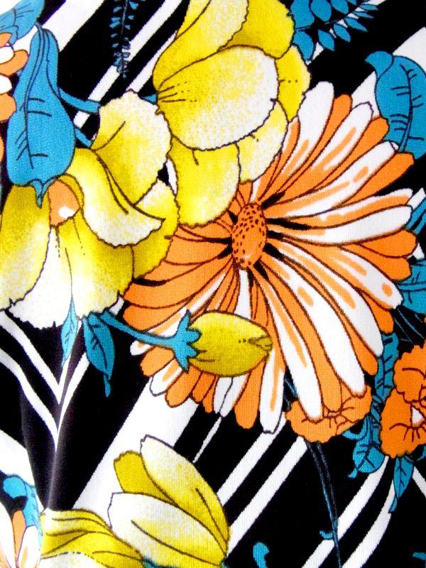 ヨーロッパ古着 ロンドン買付 ブラック X オレンジ・イエロー 花柄 リボンつき ワンピース : 古着 10BS360