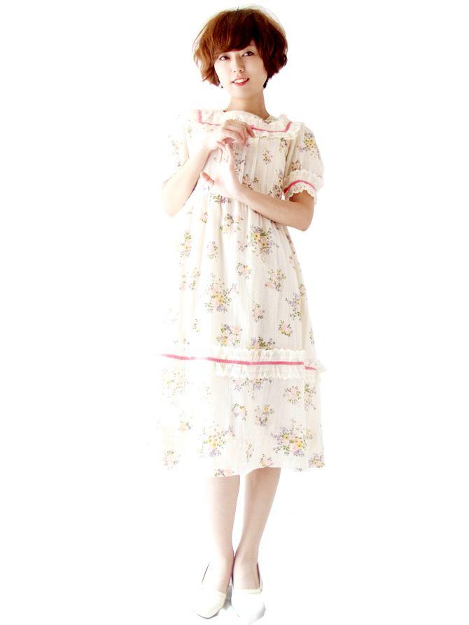 ヨーロッパ古着 フランス買い付け オフホワイト X 花柄 ピンク・ベロアテープ レース使い ヴィンテージ ワンピース : 13FC440
