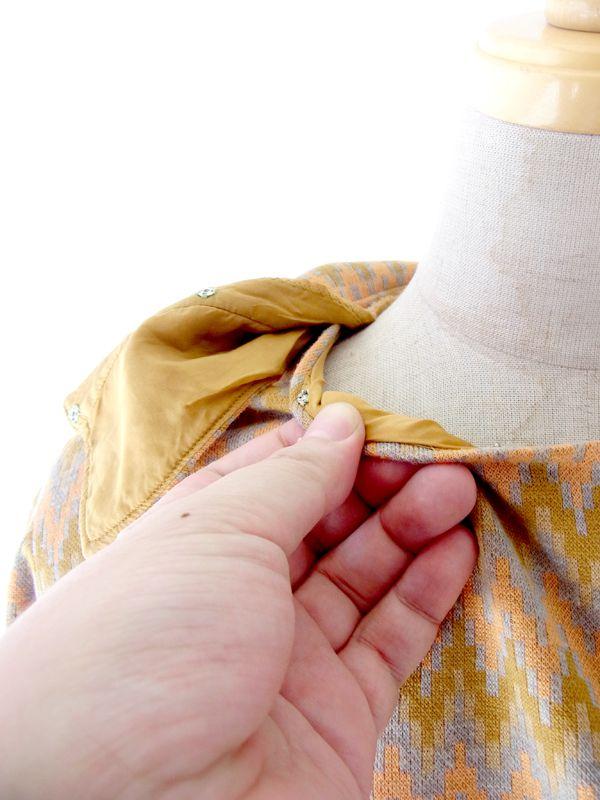 ヨーロッパ古着 60年代製 ピンク・ X ゴールド・グレイ ギザギザ矢柄 襟着脱可能 ワンピース : 13FC513