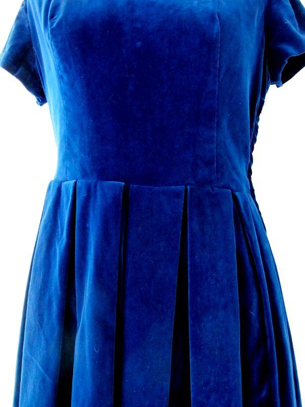 cd944c91d7b1c ヨーロッパ古着 フランス買い付け ブルー ベルベット ファー衿 ヴィンテージ ワンピース 13FC520