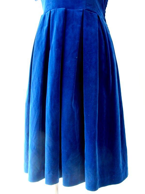 45b7c9d7e3098 ... ヨーロッパ古着 フランス買い付け ブルー ベルベット リアルファー衿 ヴィンテージ ワンピース 13FC520 ...