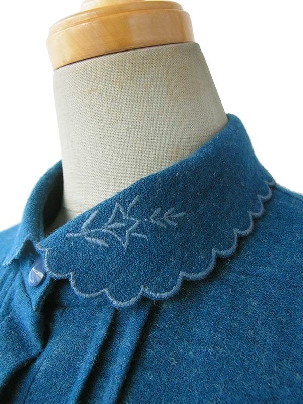ヨーロッパ古着 ロンドン買い付け 60年代製 ブルー X 刺繍入り波型襟 ヴィンテージ プリーツ ワンピース 15BS415