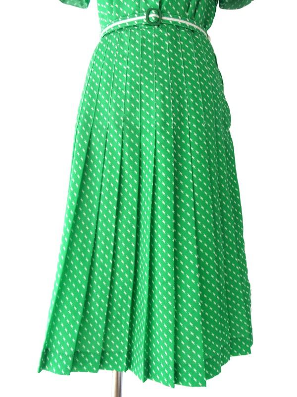 ヨーロッパ古着 フランス買い付け 60年代製 鮮やかなグリーンXホワイト ポケットチーフ レトロ ワンピース 15FC106