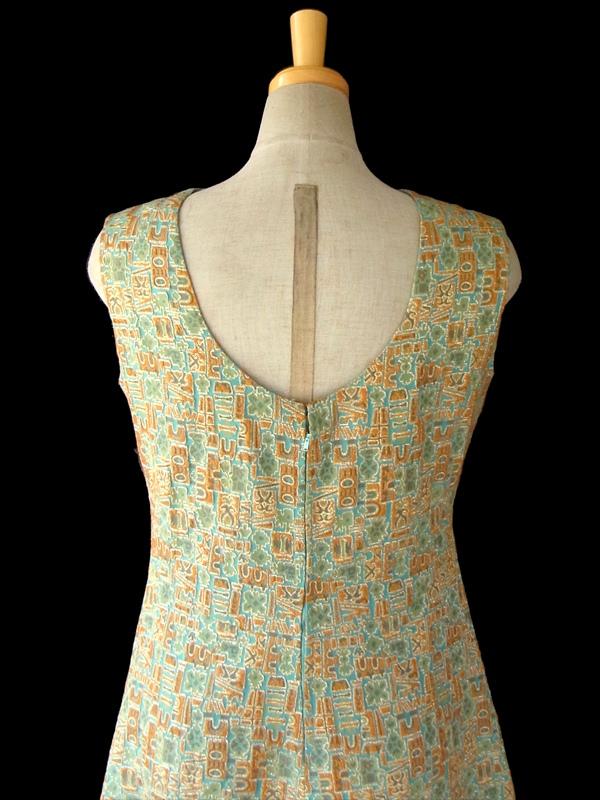 ヨーロッパ古着 フランス買い付け 60年代製 ゴールド X 繊細に織られたレトロ柄が浮かび上がる ヴィンテージ ドレス 15FC310