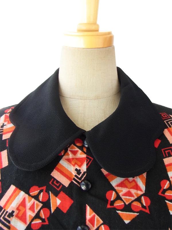 ヨーロッパ古着 フランス買い付け 60年代製 ブラック X ピンク・オレンジ レトロ柄 デザイン襟 ワンピース 15FC321