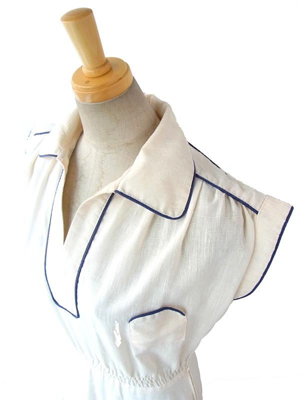ヨーロッパ古着 フランス買い付け 60年代製 オフホワイト X ブルー パイピング 胸ポケット付き ヴィンテージ ワンピース 16FC116