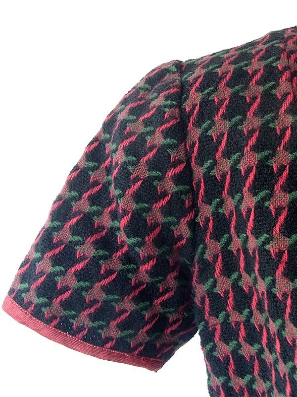 ヨーロッパ古着 フランス買い付け 60年代製 ブラック X レッド・グリーン レトロ柄が編み込まれた ウール ワンピース 16FC504