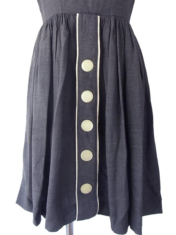 ヨーロッパ古着 ロンドン買い付け 60年代製 グレイ X 3連の大きなボタン 大人かわいい上品ワンピース 16OM336