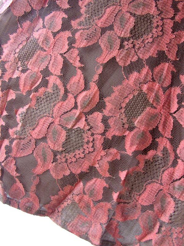 ヨーロッパ古着 ロンドン買い付け ブラウン 総花柄ケミカルレース X 内側ブラウン・アイボリー パフスリーブ ワンピース 16OM911