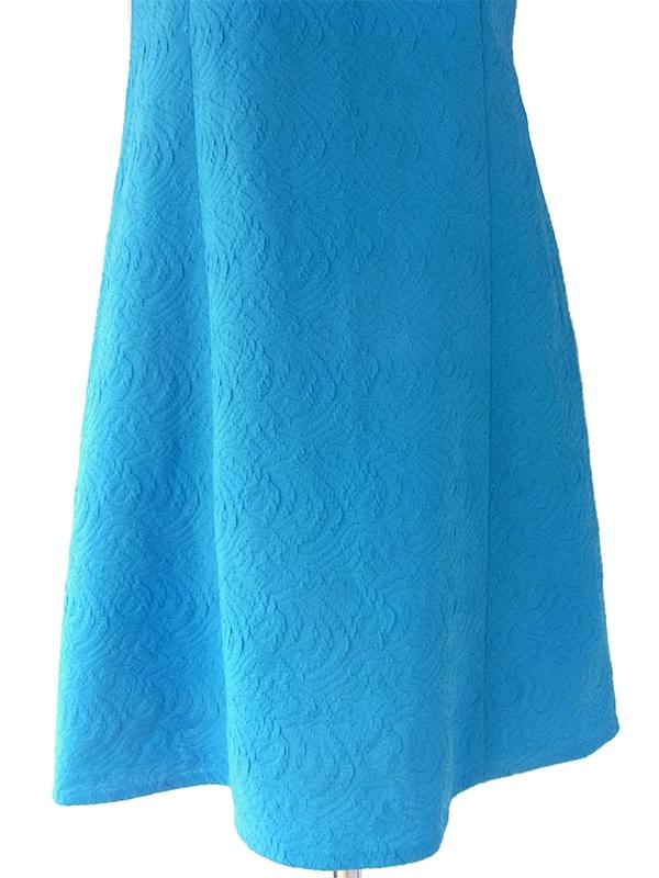 ヨーロッパ古着 ロンドン買い付け きれいなブルー X 模様の浮かび上がる生地 モックネック レトロ ワンピース 16OM711