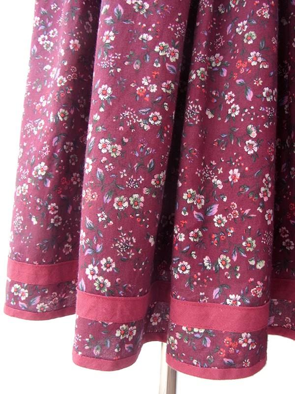ヨーロッパ古着 ロンドン買い付け 60年代製 ボルドー X 繊細な小花柄 テープ縁取りチロリアン ワンピース 17BS020