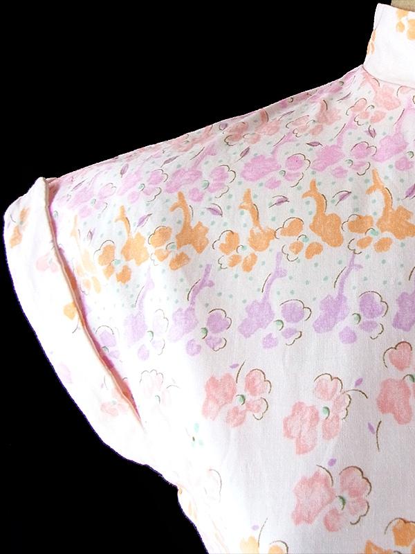 ヨーロッパ古着 フランス買い付け 60年代製 ピンク X 淡いオレンジ・パープル 小花柄 ベルト付き スタンドカラー ワンピース 17CC004