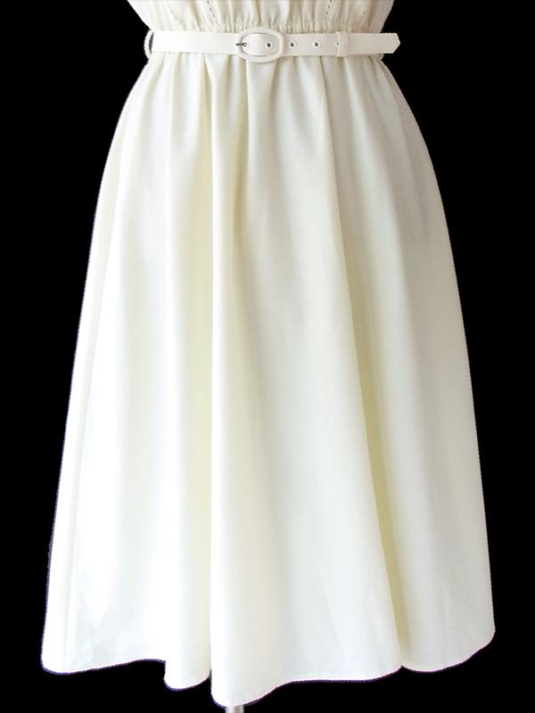 ヨーロッパ古着 フランス買い付け 60年代製 オフホワイト X ステッチデザイン 共布ベルト付き ヴィンテージ ワンピース 17FC017