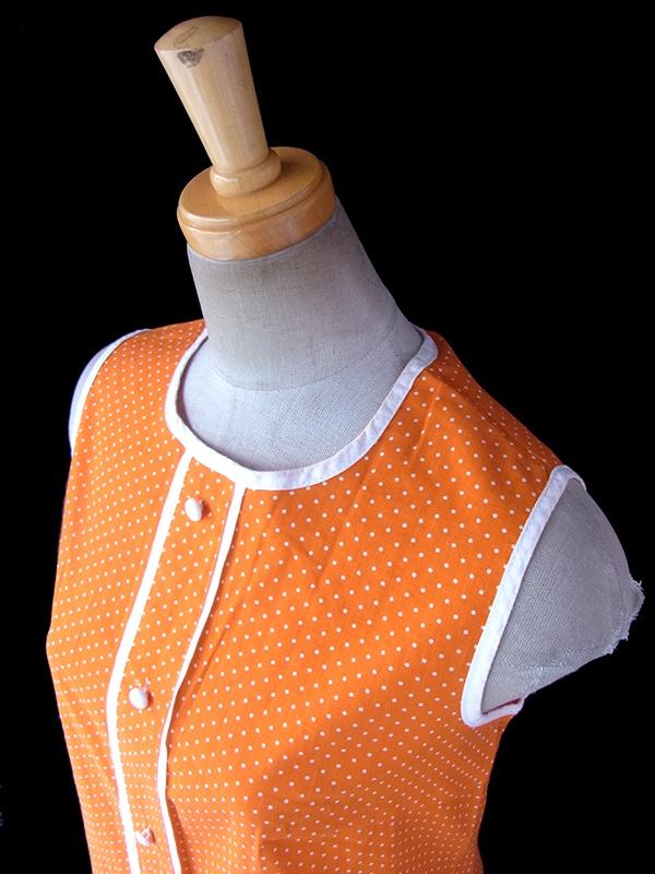 ヨーロッパ古着 ロンドン買い付け 60年代製 オレンジ X ホワイト 縁取り 水玉 レトロ ワンピース 17FC101