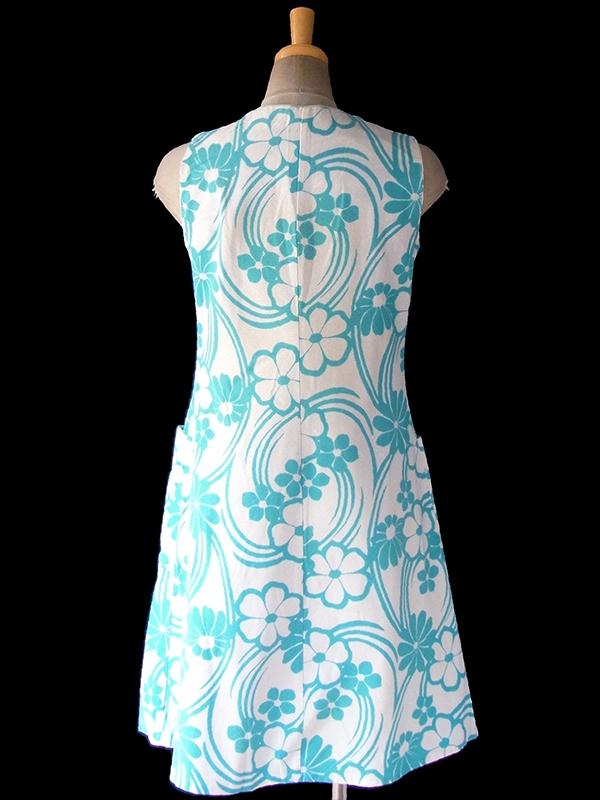 ヨーロッパ古着 フランス買い付け 60年代製 ホワイト X 水色 花柄 パイピング ポケット付き ワンピース 17FC207