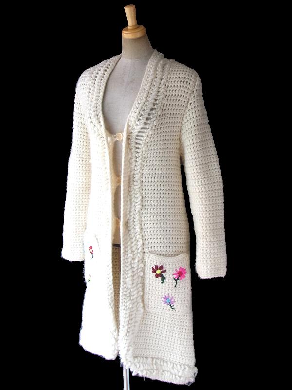 ヨーロッパ古着 ロンドン買い付け 60年代製 オフホワイト Xカラフル 花柄刺繍 ウール ニット コート 17FC509