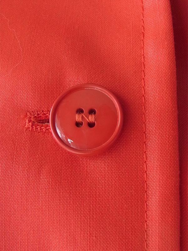 ヨーロッパ古着 70年代フランス製 艶のあるレッド X 共布ベルト付き ヴィンテージ コート 17FC511