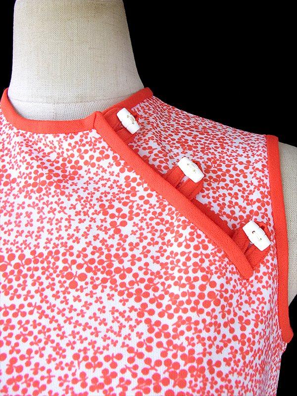 ヨーロッパ古着 ロンドン買い付け 70年代製 ホワイト X レッド 小花柄 肩ボタン ひもベルト付き レトロ ワンピース 17OM214