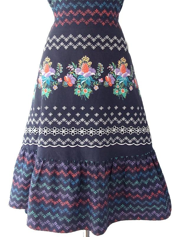 ヨーロッパ古着 Betty Barclay 60年代製 ネイビー X カラフル花柄・カットワーク・刺繍 ヴィンテージ ワンピース 17OM305