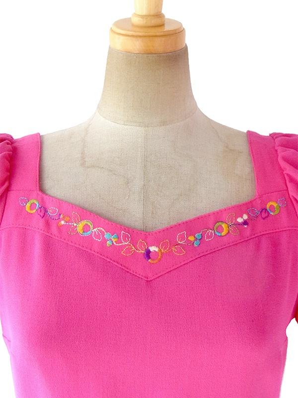 ヨーロッパ古着 ロンドン買い付け 60年代製 マゼンダ X 花柄刺繍 パフスリーブ プリーツ ワンピース 17OM505
