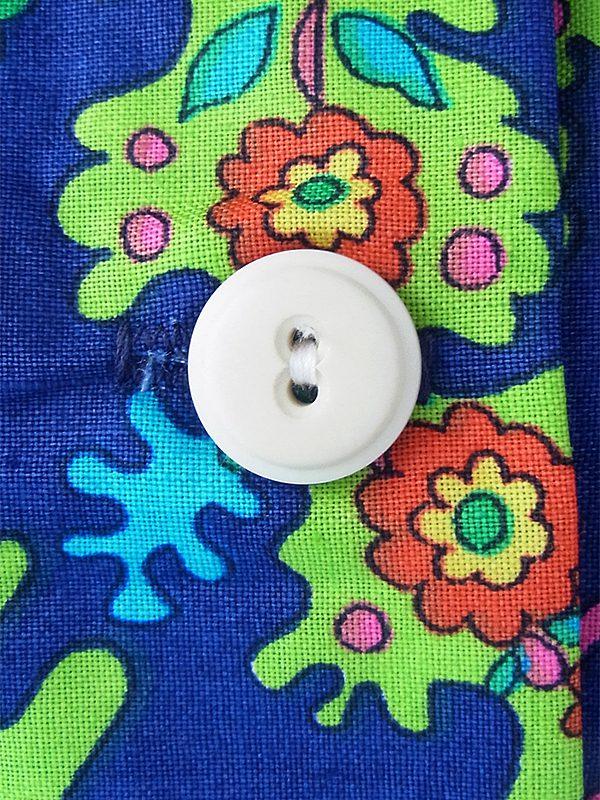 【送料無料】60年代フランス製 ブルー X カラフルなレトロ柄 共布ベルト・ポケット付き デッドストック ワンピース 17OM726【未使用品】