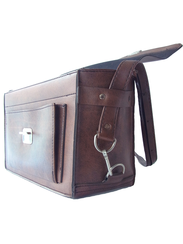 ヨーロッパ古着 ロンドン買い付け ダークブラウン ボックス型 レザー バッグ 18BS328