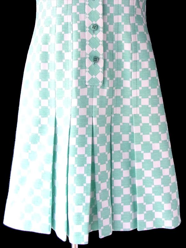 ヨーロッパ古着 70年代フランス製 アイスグリーン X ホワイト レトロ柄 ヴィンテージ ワンピース 18FC600