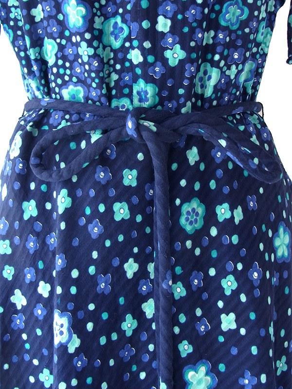 ヨーロッパ古着 ロンドン買い付け 70年代製 ミッドナイトブルー X 花柄・蝶イラストプリント ロープベルト付き ワンピース 18OM310