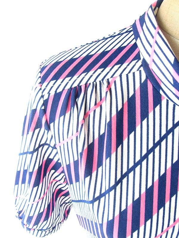 ヨーロッパ古着 フランス買い付け 70年代製 ホワイト X ネイビー・ピンク レトロ柄 スカーフタイ ワンピース 19FC210