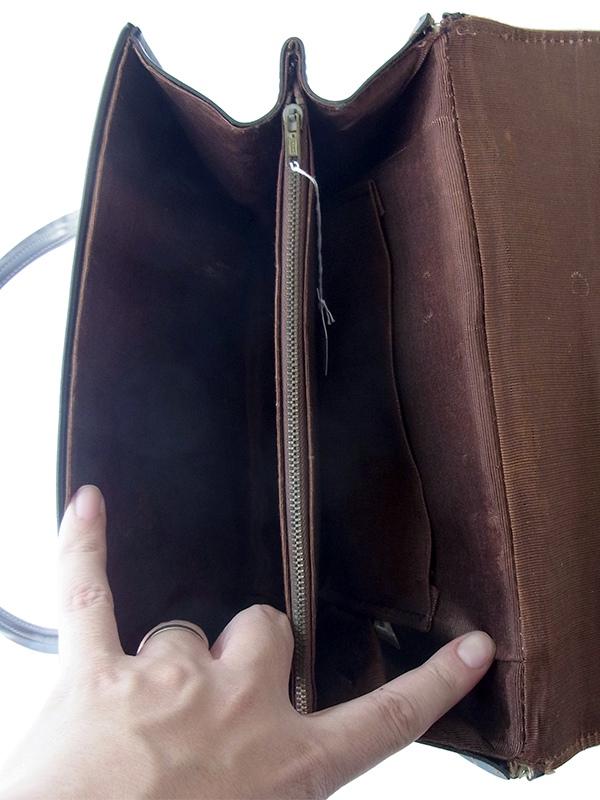 ヨーロッパ古着 フランス買い付け 光沢のあるダークブラウン X ステッチ ヴィンテージ レザー ハンドバッグ 19FC215