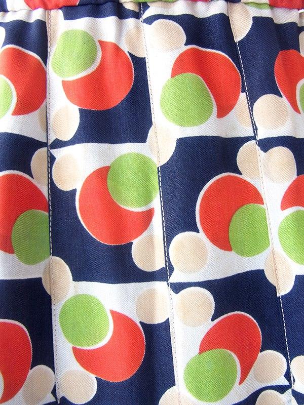 ヨーロッパ古着 70年代フランス製 ネイビー X レッド・グリーン 水玉モチーフのレトロ柄 プリーツ スカート 19FC426