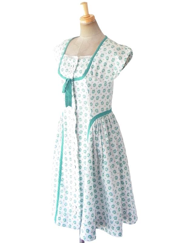 ヨーロッパ古着 ロンドン買い付け 60年代製 ホワイト X 水色・グリーン 花柄 テープ縁取り ワンピース 19OM208