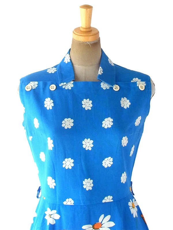 ヨーロッパ古着 ロンドン買い付け 60年代製 ブルー X ホワイト・カラフル花柄 肩ボタンデザイン ワンピース 19OM306