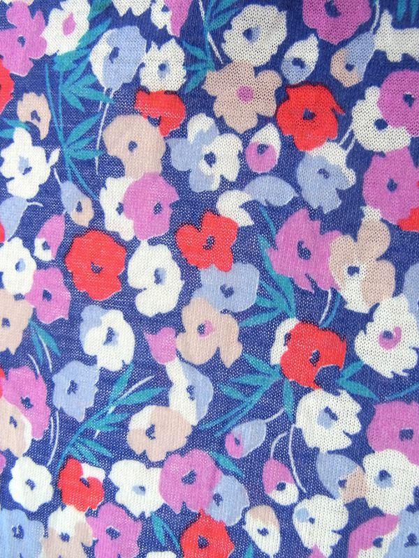ヨーロッパ古着 ロンドン買い付け 70年代製 ブルー X パープル基調のカラフル花柄 ホワイトライニング ワンピース 19OM501
