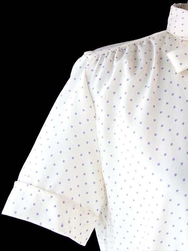 ヨーロッパ古着 ロンドン買い付け 70年代製 オフホワイト X ラベンダースクエア柄  スカート切り返し リボン付き ワンピース 19OM606
