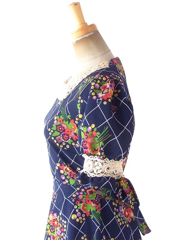 ヨーロッパ古着 フランス買い付け 70年代製 ネイビー X 花柄 カットレース 共布ベルト付き パフスリーブ ワンピース 20FC207