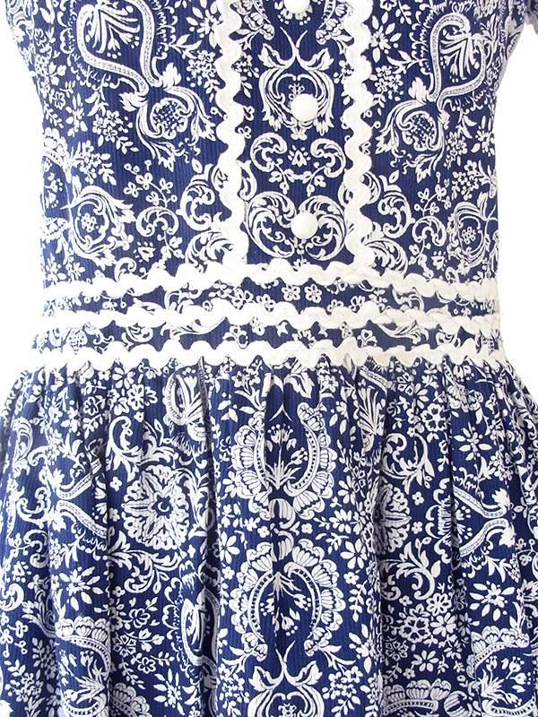 ヨーロッパ古着 60年代フランス製 ブルー X ホワイト レトロ柄 山道テープ パフスリーブ ワンピース 21FC001