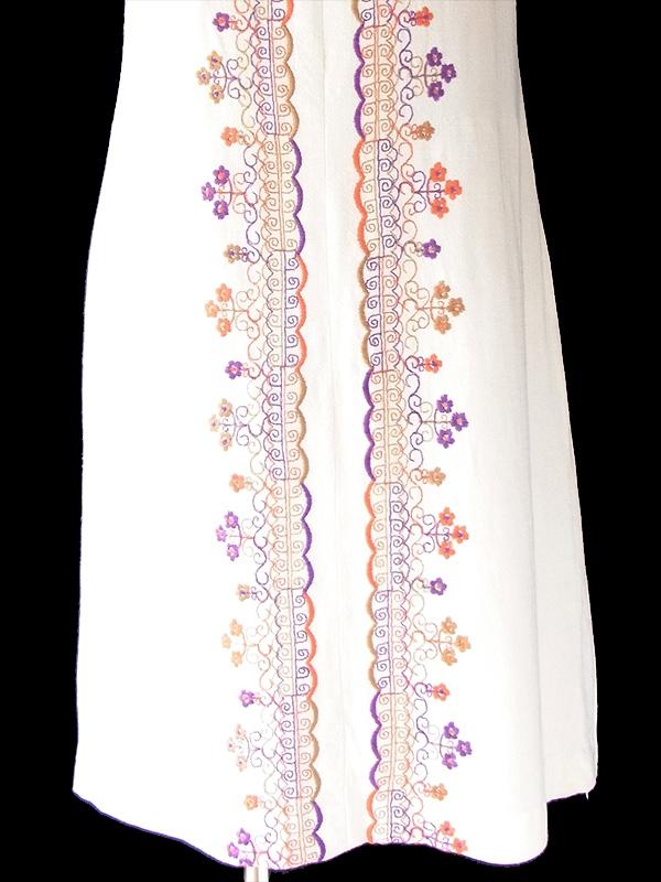【送料無料】ロンドン買い付け 60年代製 ホワイト X パープル・オレンジ 花柄刺繍 ヴィンテージ ワンピース 21OM506【ヨーロッパ古着】